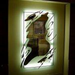 прямоугольное зеркало с подсветкой и рисунком