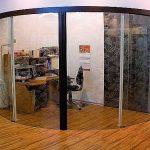 радиусная дверца из акрилового стекла